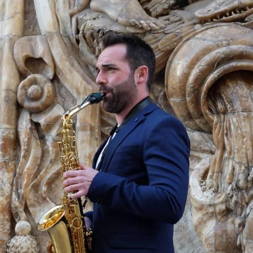 Javier Linares Bio